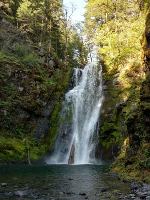 A closer look at Chinook Falls